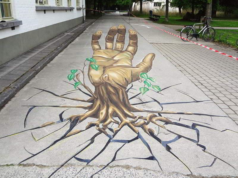 3d-streetpainting-remko-van-schaik-3d-street-art-eeklo-belgium-hand-1