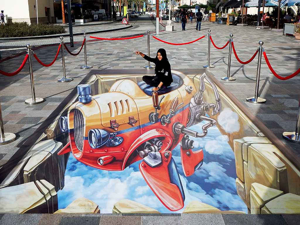 "3D Streetpainting ""3D Flying Car"" 2, Dubai"