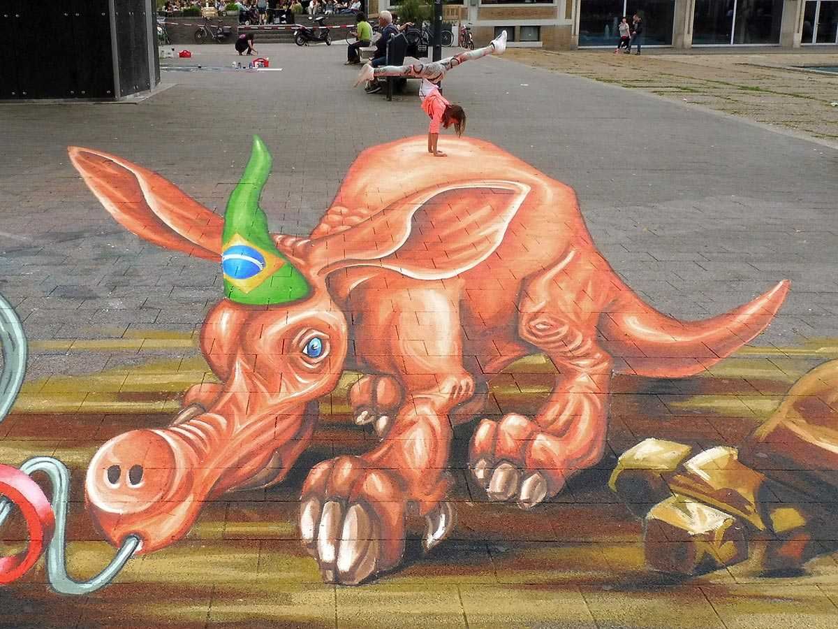 3d-streetpainting-3d-worldstreetpainting-festival-arnhem-olympic-aardvark-by-remko-van-schaik-8