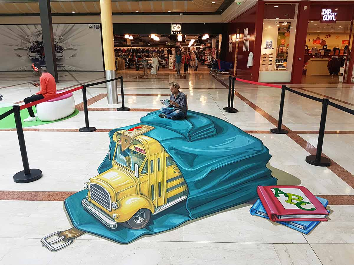 3D Streetpainting at Centre Commercial Ulis 2, Les Ulis, France