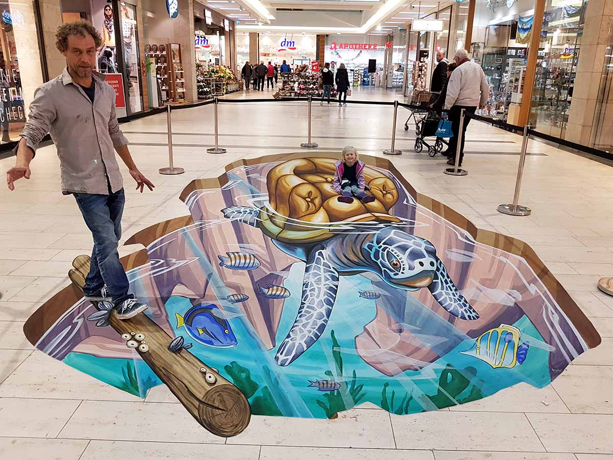 3D Streetpainting at Citti-Park, Flensburg, Germany 1
